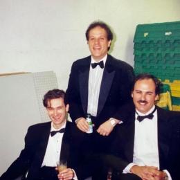 Trio Blanco Backstage